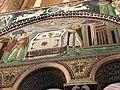 Italie, Ravenne, basilique San Vitale, mosaïque des sacrifices d'Abel et de Melchisédech, VIe siècle (48087064123).jpg