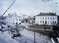Jókai tér (Námestie legionárov), balra a Postapalota, jobbra a Seminarium épülete. Háttérben a ferencesek temploma Fortepan 86611.jpg