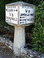 Jambville (78), cube Michelin, rue des Tilleuls 2.jpg
