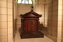 The tomb of Rousseau in the crypt of the Panthéon, Paris (Source: Wikimedia)