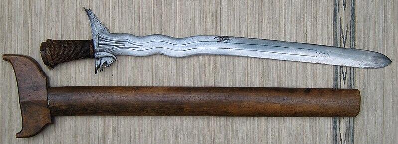 File:Kalis seko kris moro sword 2 overall.jpg