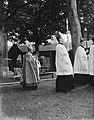 Kardinaal de Jong in de processie ter herdenking van de Martelaren van Gorcum in, Bestanddeelnr 902-8364.jpg
