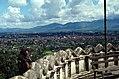 Kathmandu-38-Swayambunath-Blick zur Stadt-Affe-1976-gje.jpg