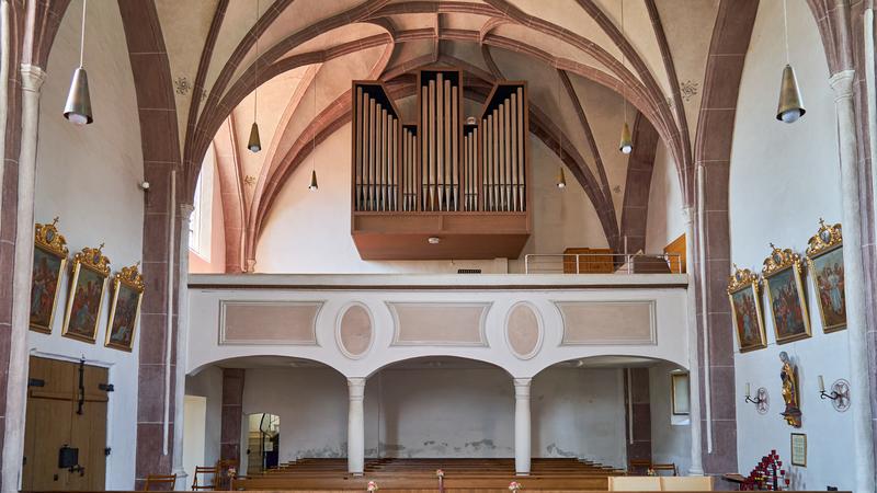 Datei:Katholische Pfarrkirche Mariä Himmelfahrt Kirchdorf am Inn 06 Empore.png