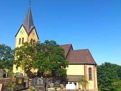 Katholische Pfarrkirche St. Lambertus und St. Sebastian Krombach.JPG