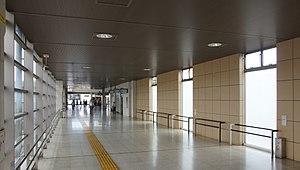 Katsuta Station - Image: Katsuta Station passageway 20170603