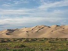 https://upload.wikimedia.org/wikipedia/commons/thumb/8/8f/Khongoryn_Els_sand_dunes.jpg/220px-Khongoryn_Els_sand_dunes.jpg