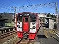 Kuha 814-24 at Kariu Station.jpg