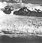 La Perouse Glacier, terminus of tidewater glacier with seracs, September 16, 1966 (GLACIERS 5565).jpg
