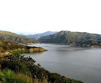 Lake Piru - Image: Lac Piru