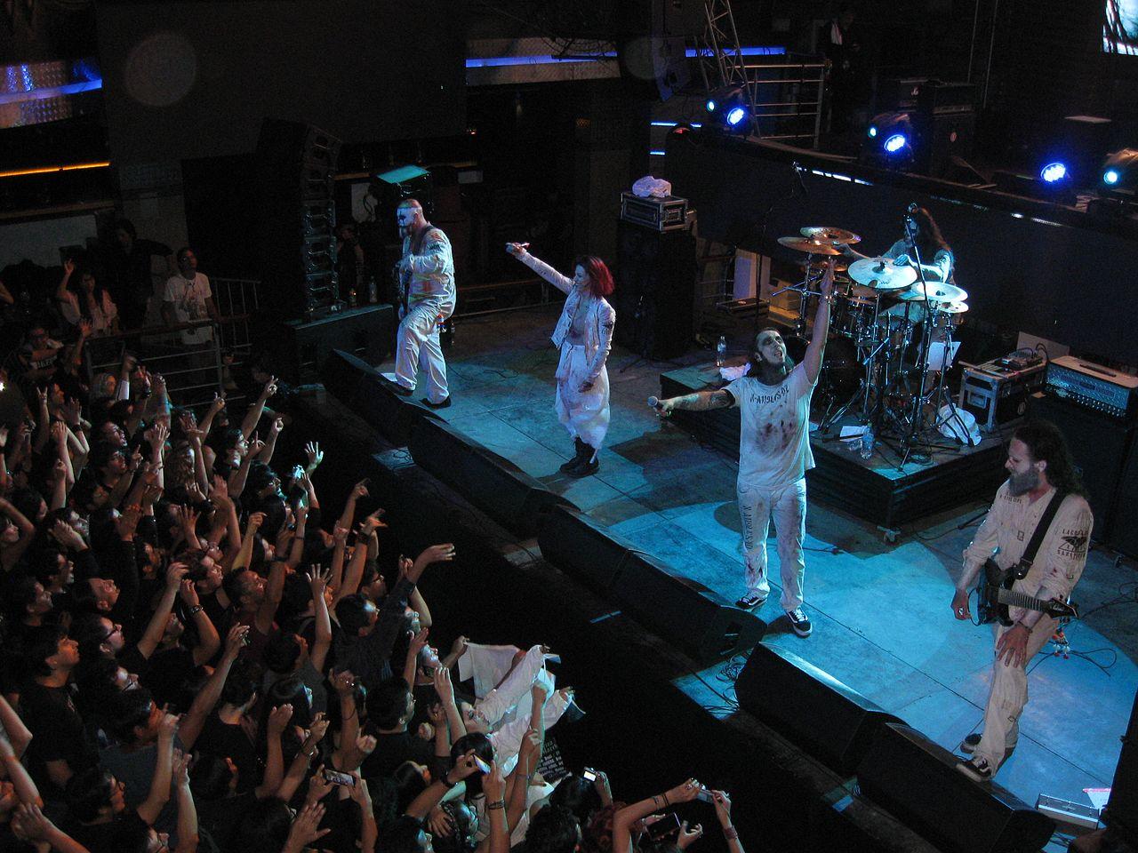 Lacuna Coil live in Lima, Peru 2017.jpg