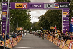 Ladies Tour of Norway 2017 - stage 2 - last passing of finish line.jpg