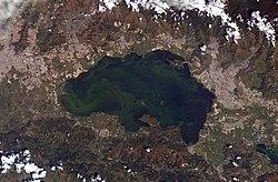 Aguas estancadas y lagos de agua salada  250px-Lake_Valencia%2C_Venezuela