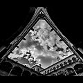 Las nubes del fondo - Flickr - Carlos Nestar.jpg