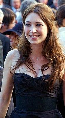 LAURA SMET al festival di Cannes.