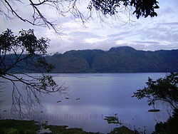Laut Tawar Lake alt text