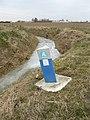 Le Doulieu balise du service des canalisations.JPG