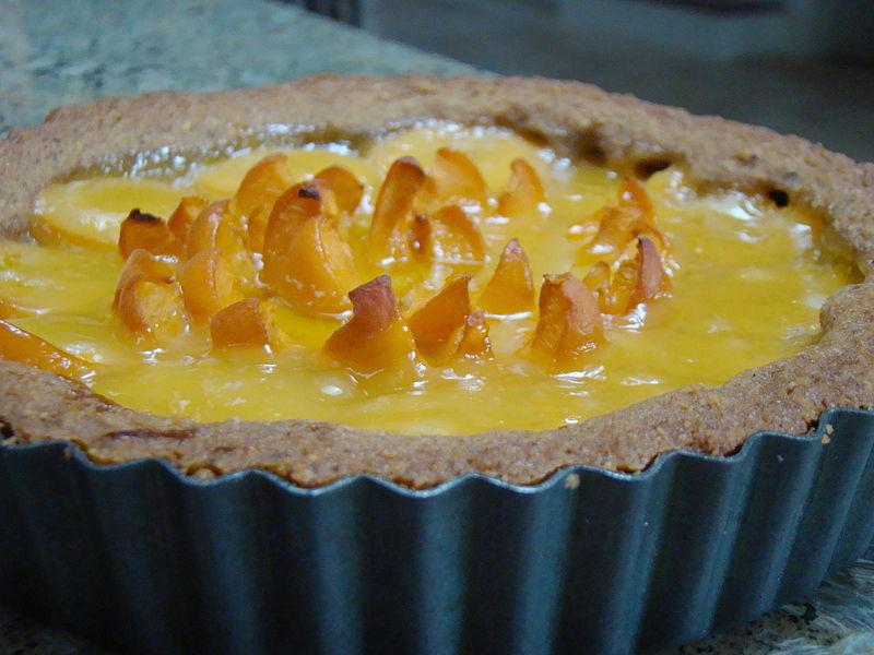 File:Lemon Apricot Flower Vegan Tart (3555714566).jpg