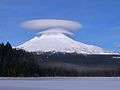Lenticular cloud over Mount Hood.jpg