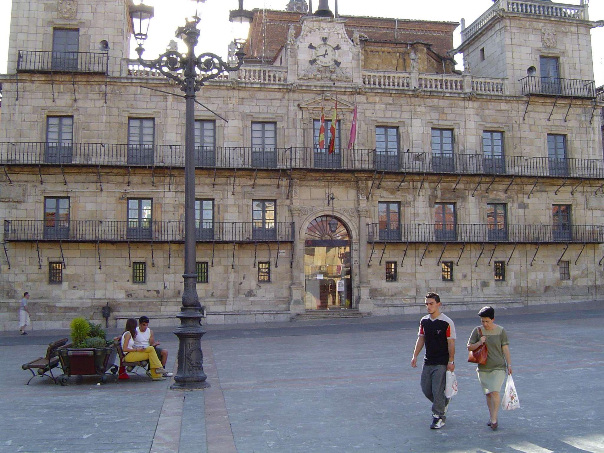 Le o espanha wikip dia a enciclop dia livre for Oficina de turismo leon