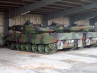 Rheinmetall Rh-120 - Two Leopard 2A6s of the German Army with L55s