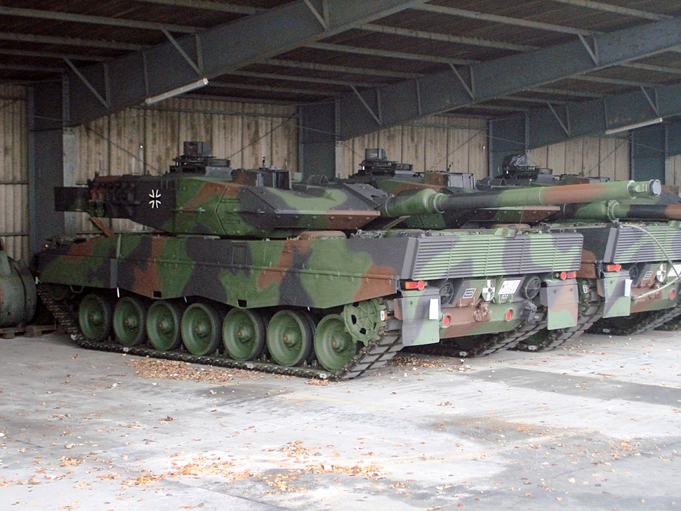 Leopard 2A6 with new smoke dispenser