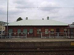 Lerums jernbanestation, den 21 juni 2006.   JPG