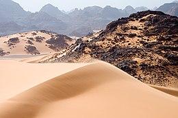Το Ταντράρτ Ακακούς στη Σαχάρα στη νοτιοδυτική Λιβύη, στα σύνορα με την Αλγερία.