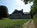 Lion-sur-Mer. Façade nord du château en travaux.jpg