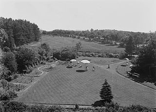 gardens and putting green, Llandrindod