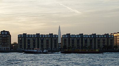 "London MMB »1U4 River Thames, The Shard and ""Regain"".jpg"
