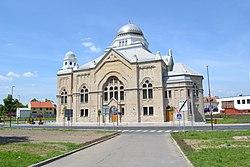 Lučenec - synagóga (2016) E.jpg