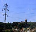 Lucens, Château et ses dépendances, vue depuis la plaine.jpg