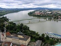 A Mária Valéria híd újból összeköti Magyarországot és Szlovákiát