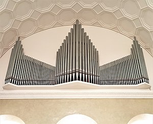 München-Maxvorstadt, LMU Lichtsaal (Weiße-Rose-Orgel, Steinmeyer) (3).jpg