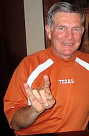 Mack Brown Texas Horns up2.jpg