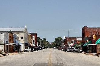 Smithville, Texas - Image: Main street smithville