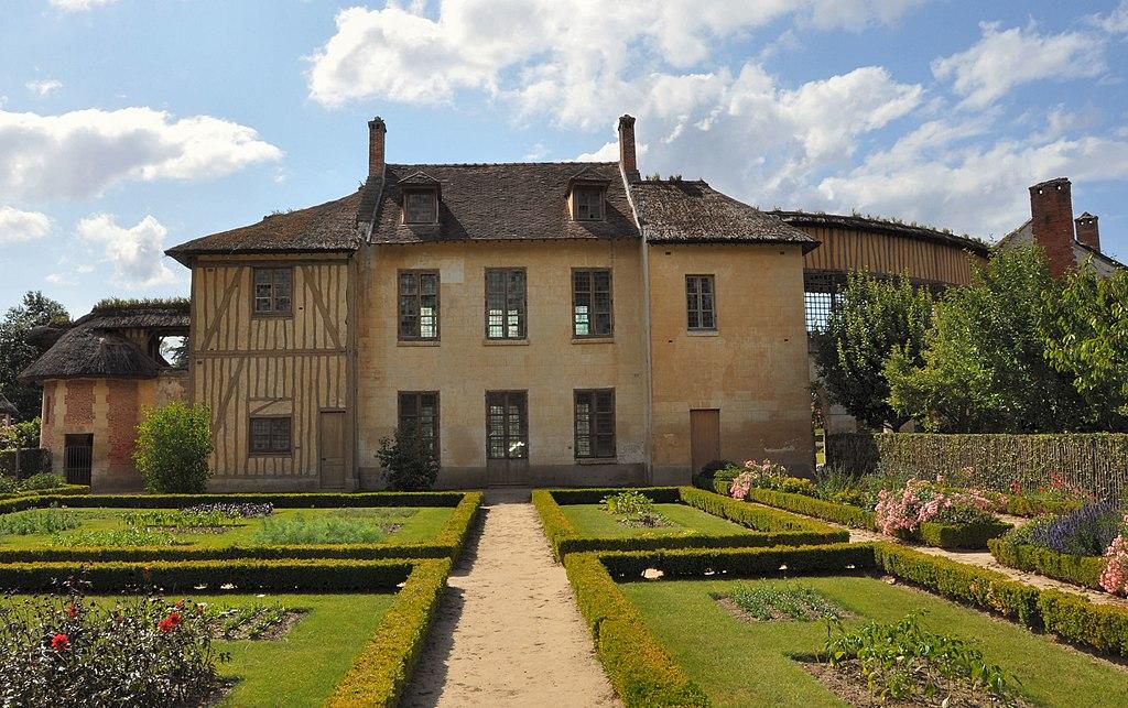 File maison de la reine 4 jpg wikimedia commons - Maison jardin versailles strasbourg ...