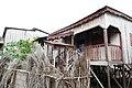 Maison sur pilotis à Micoló (São Tomé) (1).jpg