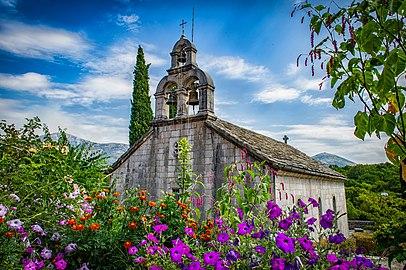 Manastir u Dužima kod Trebinja.jpg
