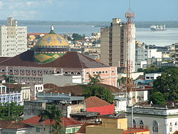 Teatro Amazonas por outro ângulo.
