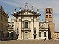 Mantova - Il Doumo - Piazza Sordello - panoramio.jpg