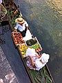 Marché flottant de l'Isle-sur-la-Sorgue, 5 août 2012.jpg