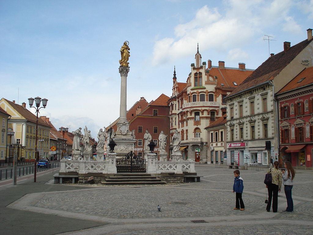Maribor, Glavni trg - spomenik