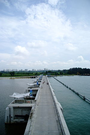 Water supply and sanitation in Singapore - The barrage of the Marina Bay reservoir.