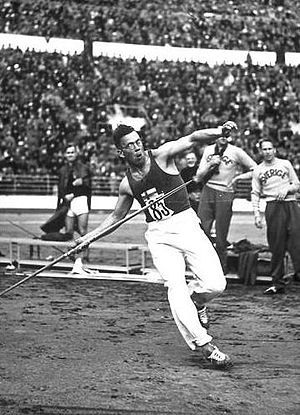 Javelin throw - Matti Järvinen throwing the javelin at the 1932 Olympics