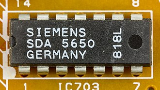 Programme Delivery Control - VPS / PDC-plus Decoder IC by Siemens .