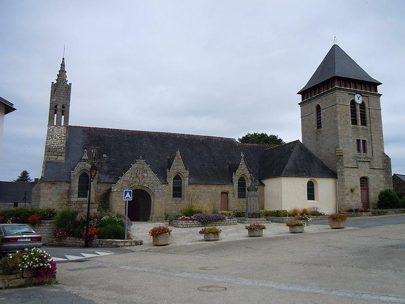 église paroissiale Saint Mélaine, commune de Meslan, département du Morbihan, France