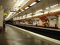 Metro Paris - Ligne 8 - station Bastille 01.jpg