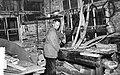 Midwinterhoornmaker aan het werk, Bestanddeelnr 909-0833.jpg